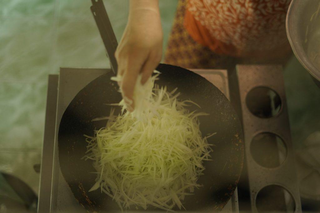 ผัดมะละกอหมูสับ