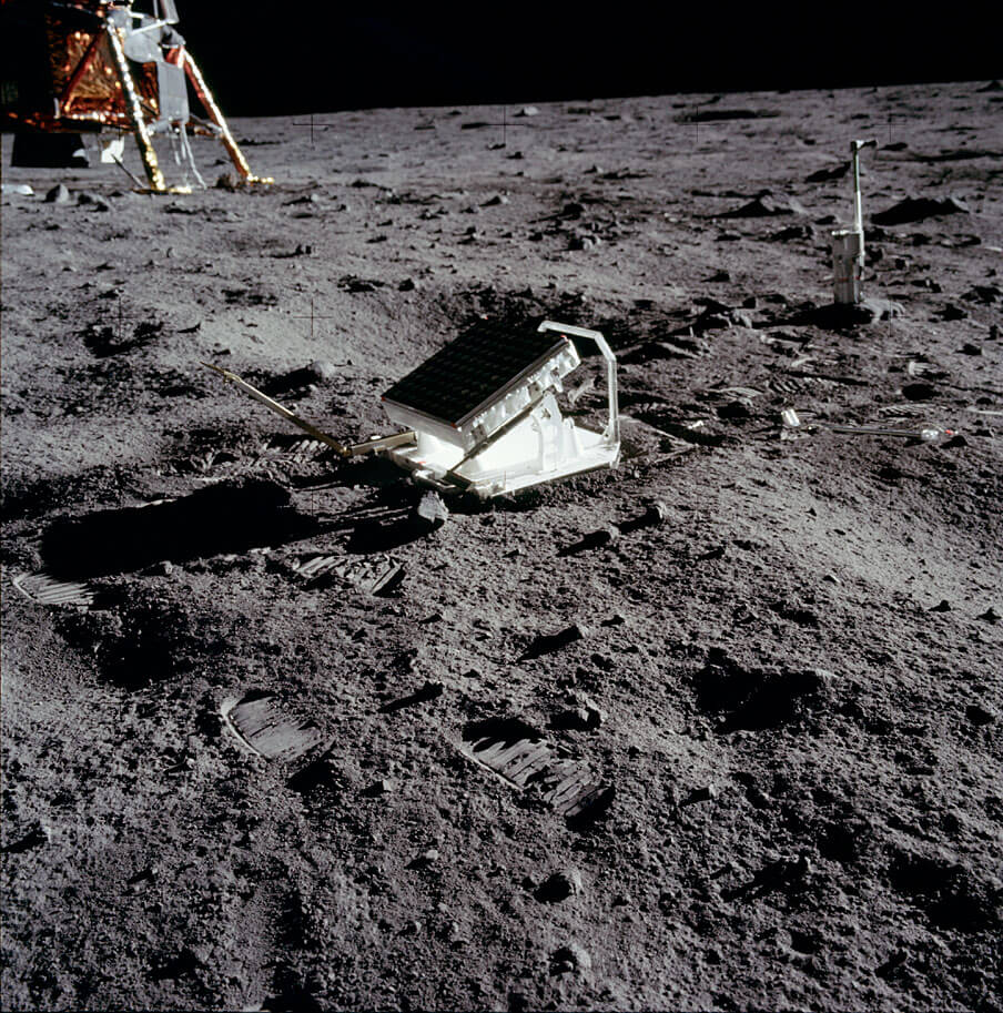 NASA, lunar reflector