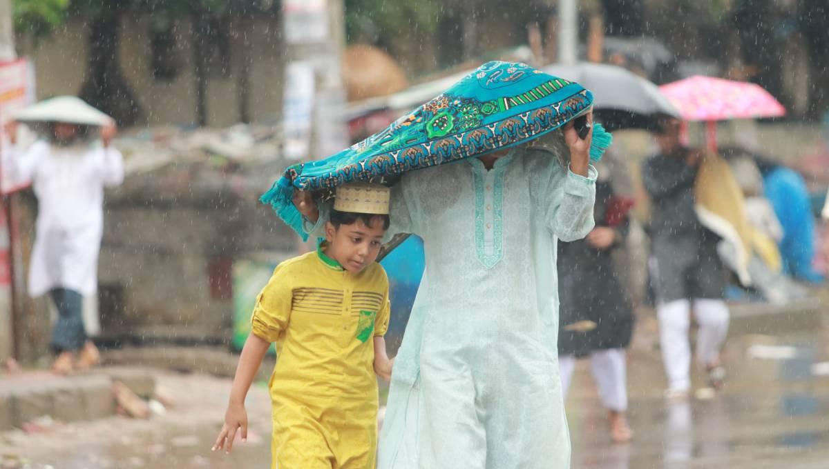 Rain dampens Eid celebrations