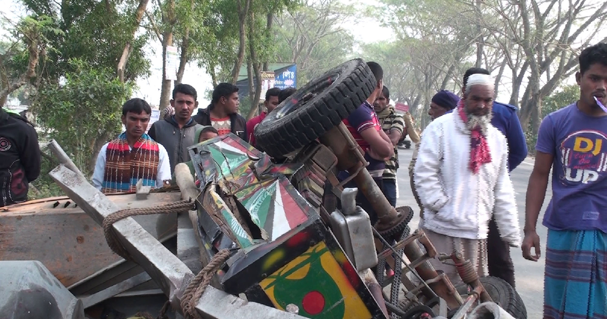 five lives ,  Dhaka-Khulna Highway ,  injured ,  Gopalganj ,  road crash