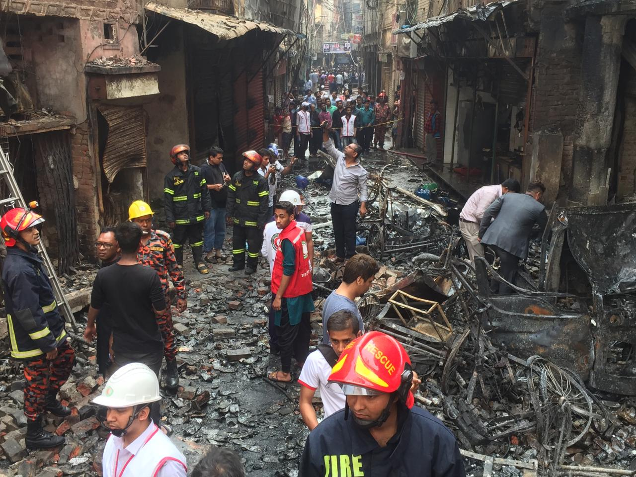 Huge chemical warehouse fire at Chawkbazar: 70 dead