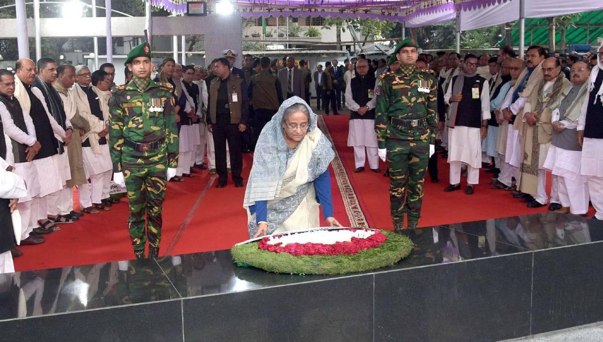 Homecoming Day: PM pays tributes to Bangabandhu