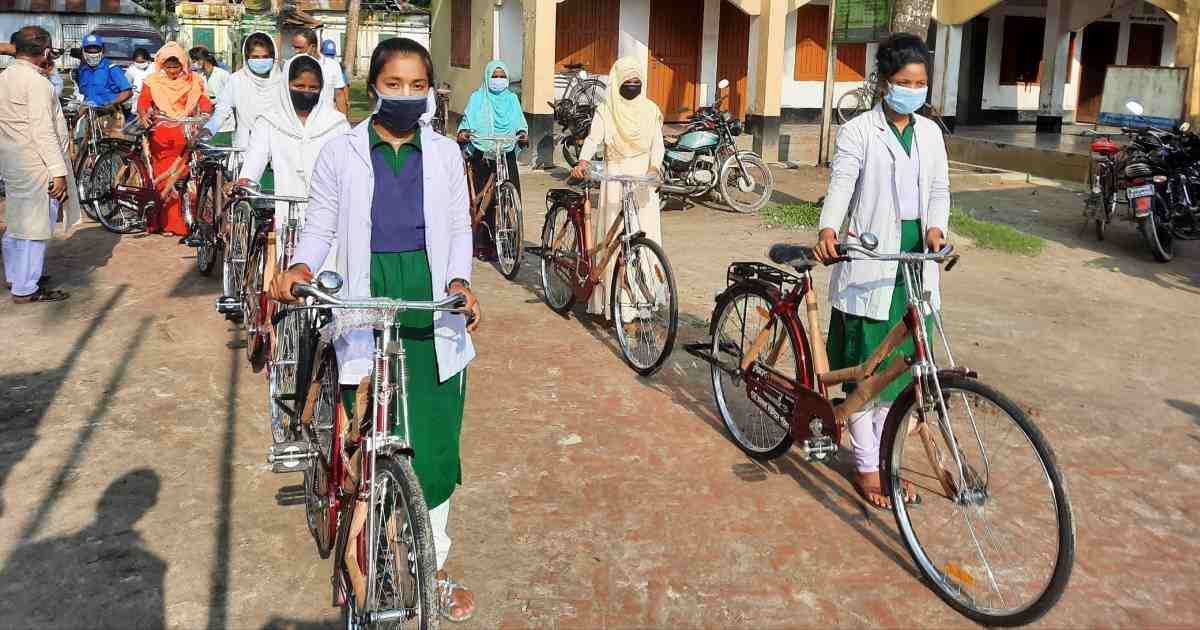 Lalmonirhat UP Chairman donates bicycles to 15 college girls