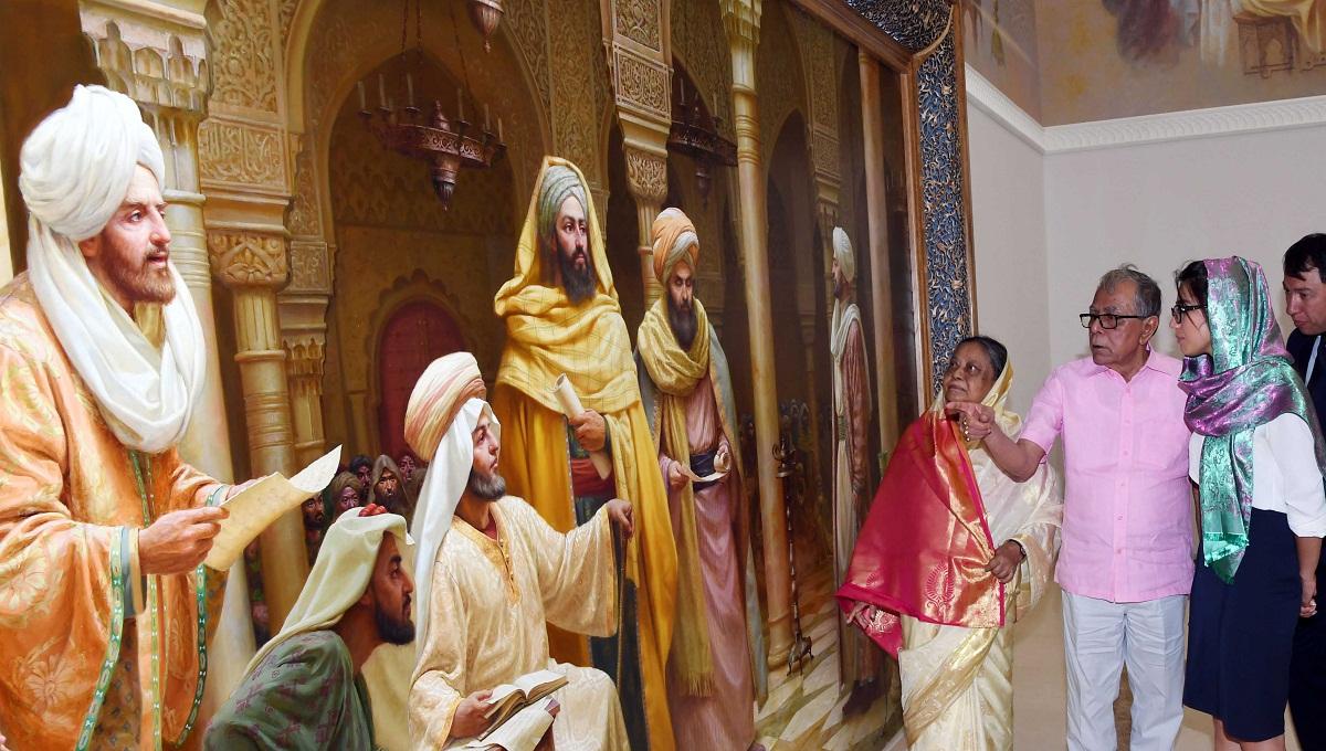 President visits Imam Bukhari's mazar, offers doa