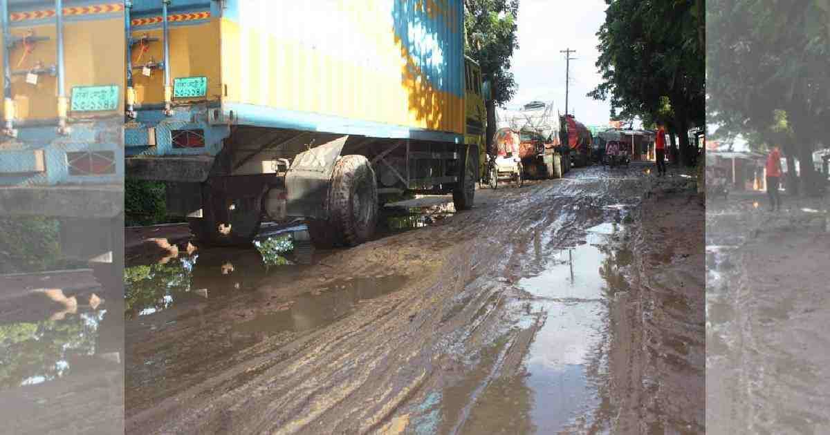 Bhola-Barishal highway in horrible condition