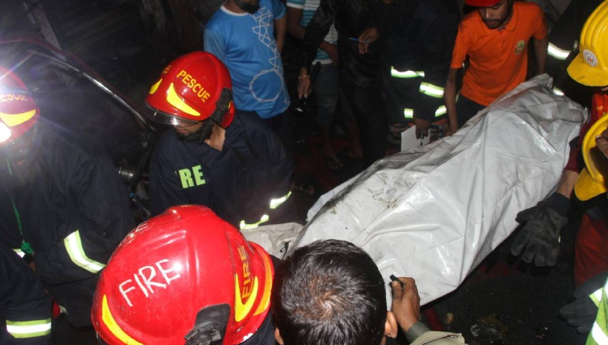 Bodies of 45 Chawkbazar fire victims handed over to families