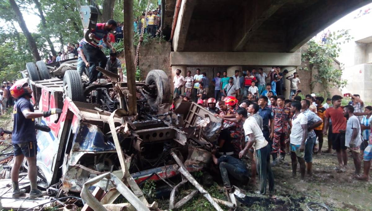 Bus falls off bridge in Faridpur; 8 dead