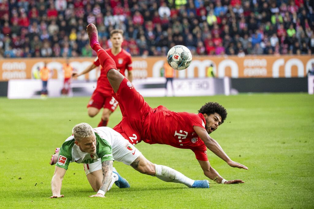 Bayern denied again as Augsburg draws 2-2 in injury time
