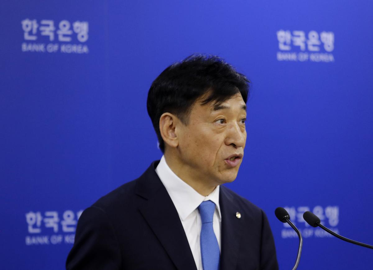 South Korea mulls 'review' of military intelligence sharing with Japan