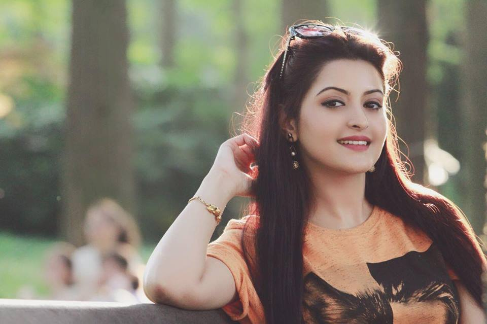 Pori Moni: A Dazzling Star in Bangladeshi Cinema
