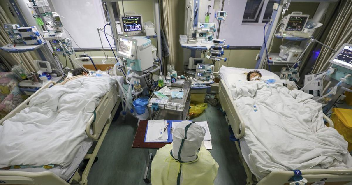 Coronavirus death toll crosses 900
