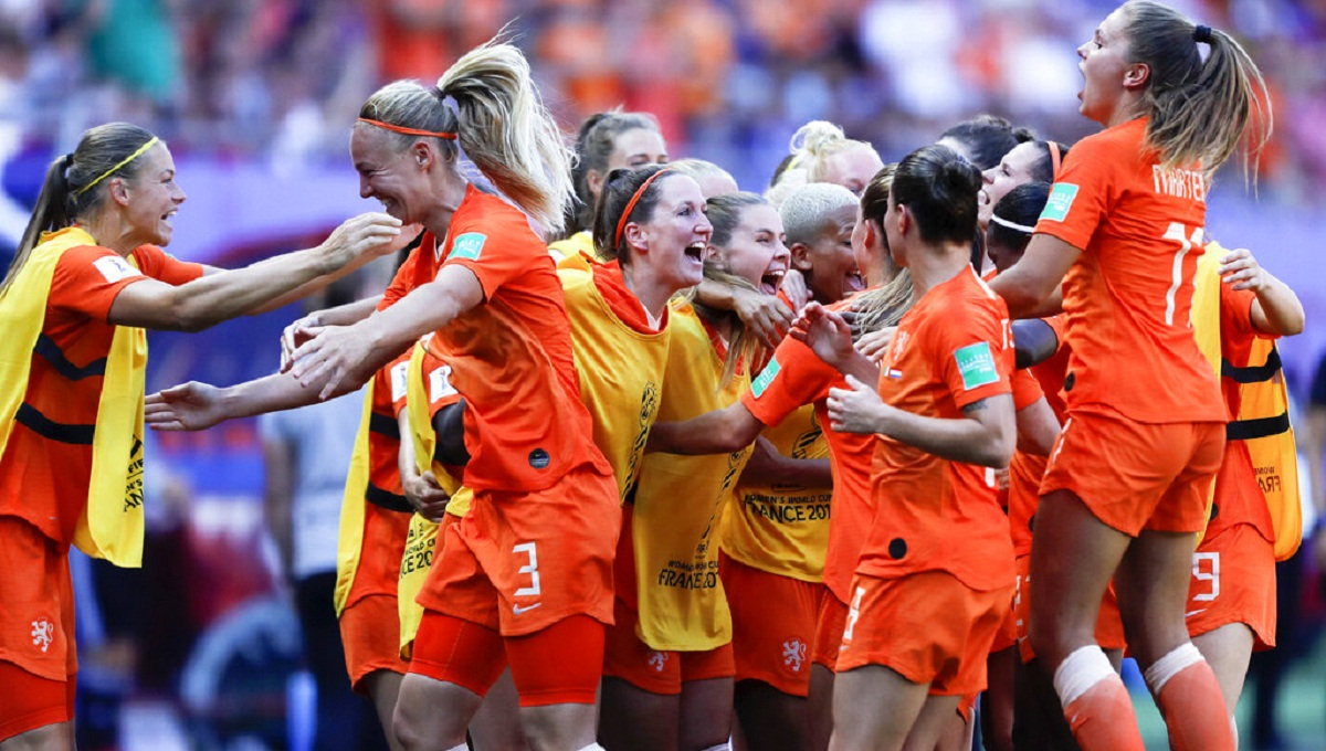 Dutch beat Italy 2-0 to make 1st Women's World Cup semifinal