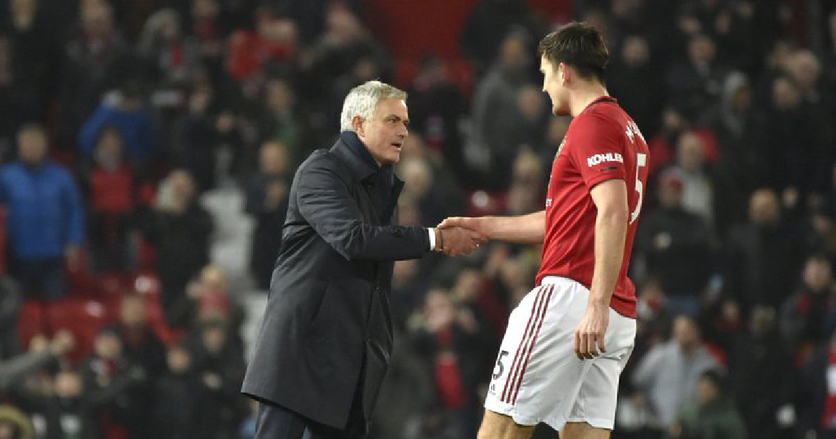 Mourinho loses in Old Trafford