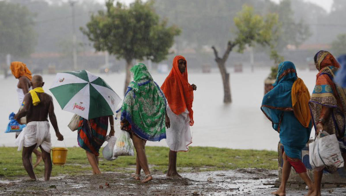 Torrential rains kill another 42 people in India