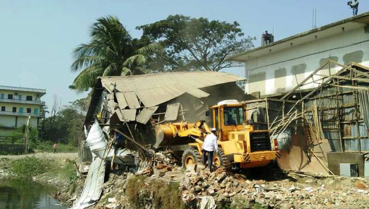 Drive continues to save Karnaphuli: 120 structures demolished in 3 days
