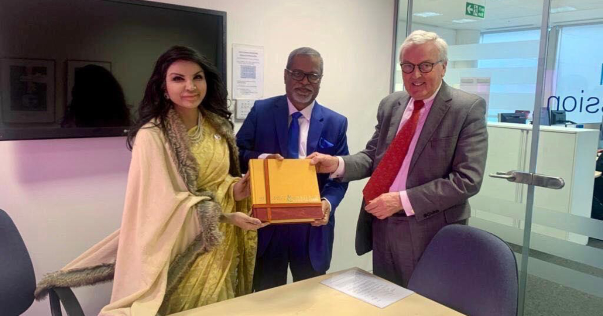 Foreign Affairs ,  Sir John Holmes ,  UK Election Commission Chair ,  UK ,  Bangladesh ,  Electronic Voting Mechanism ,  EVM ,  Saida Muna Tasneem
