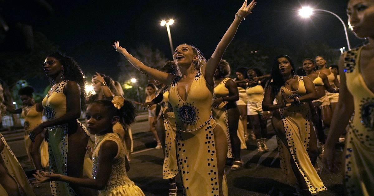 Rio Carnival ,  Carnival culture ,  Samba ,  Hahn-Chaplin