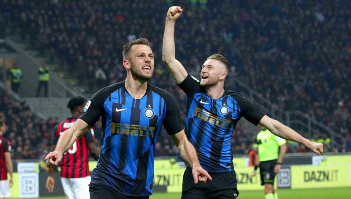 Inter ends poor run with 3-2 win at Milan; Juve loses