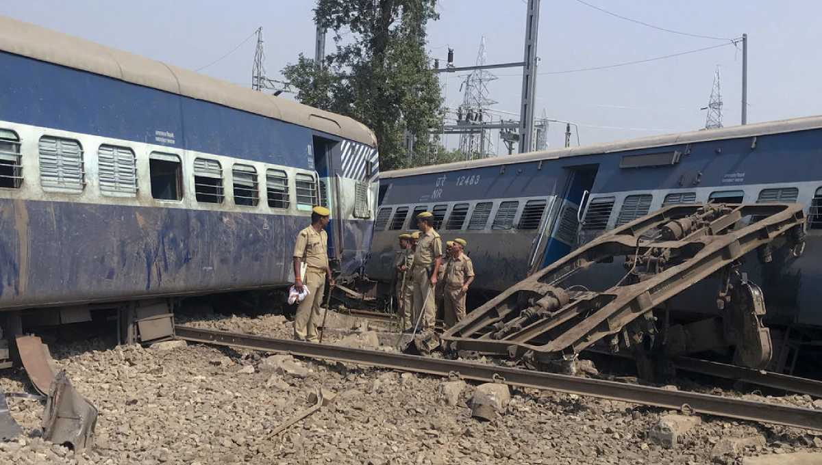 India train cars derail, at least 5 people killed, 35 hurt