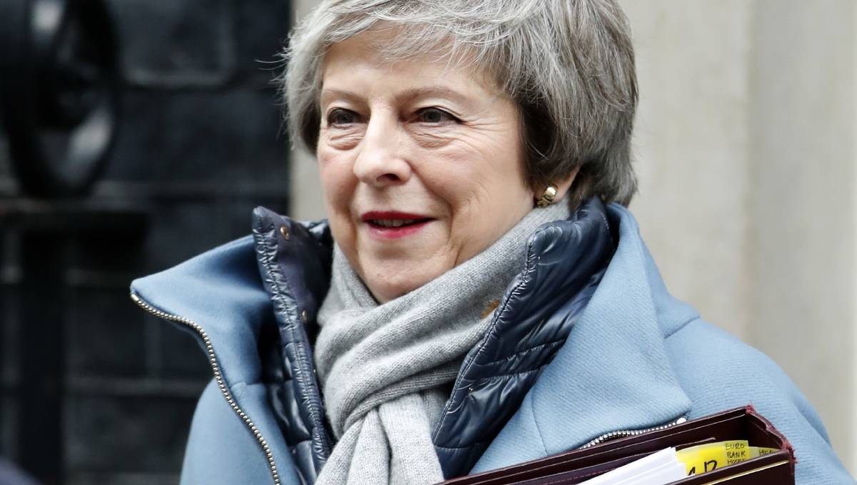 Showdown looms as UK lawmakers clash over May's Brexit deal