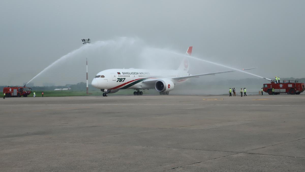 PM inaugurates Biman's third Dreamliner 'Gaangchil'