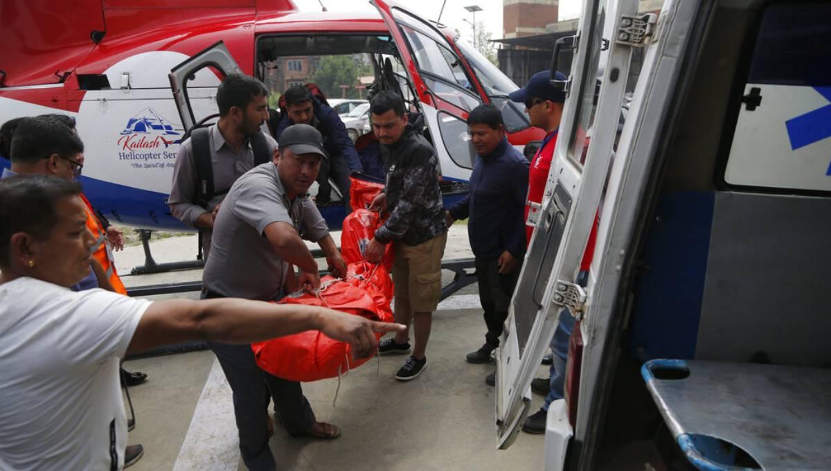 3 killed, 4 injured in Nepal plane crash near Mount Everest