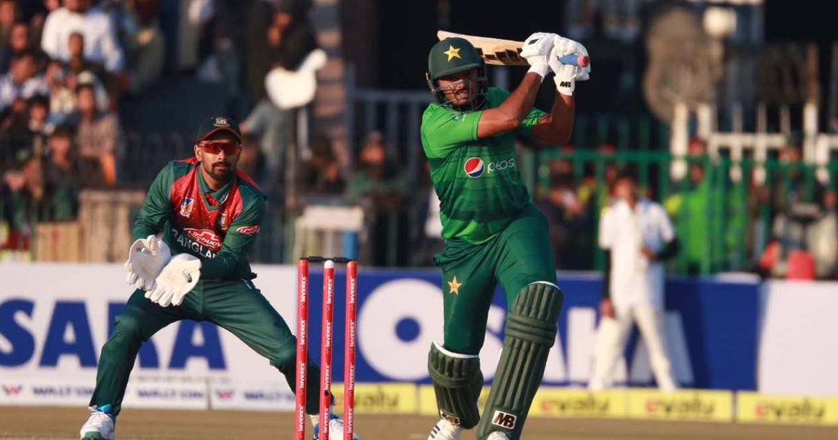 Bangladesh v Pakistan ,  Gaddafi Stadium ,  T20I ,  Mahmudullah Riyad ,  Tigers ,  Mustafizur Rahman ,  Cricket ,  T20 International series