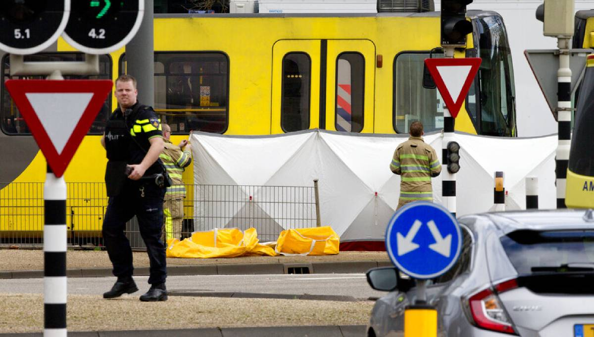 Dutch police hunt suspect after shooting on tram kills 1