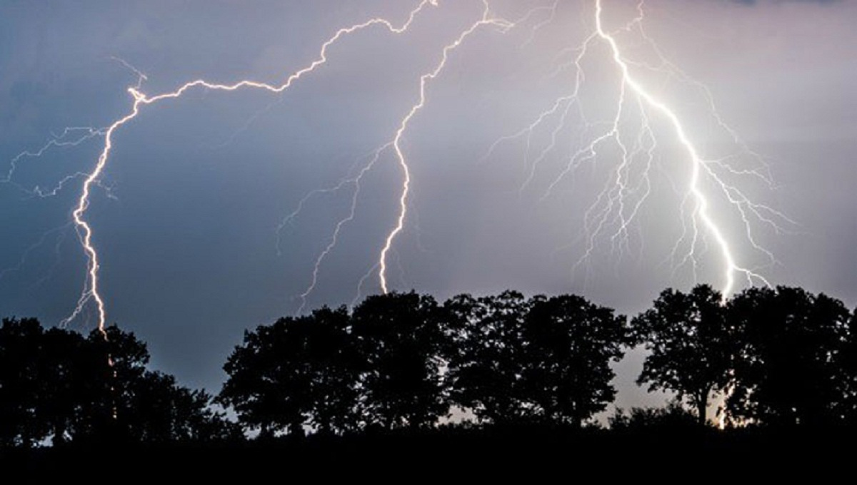 Three killed in hailstorm, lightning strike in Sirajganj, Cumilla