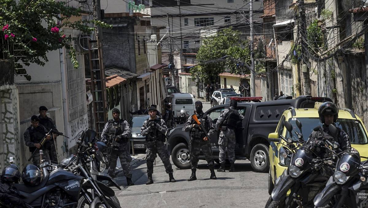 13 suspected drug traffickers killed in Rio shootout