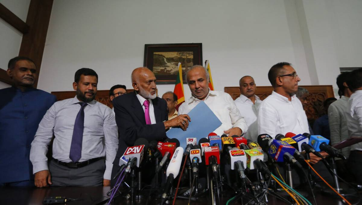 Muslims leave Sri Lanka govt to allow probe of terror claim