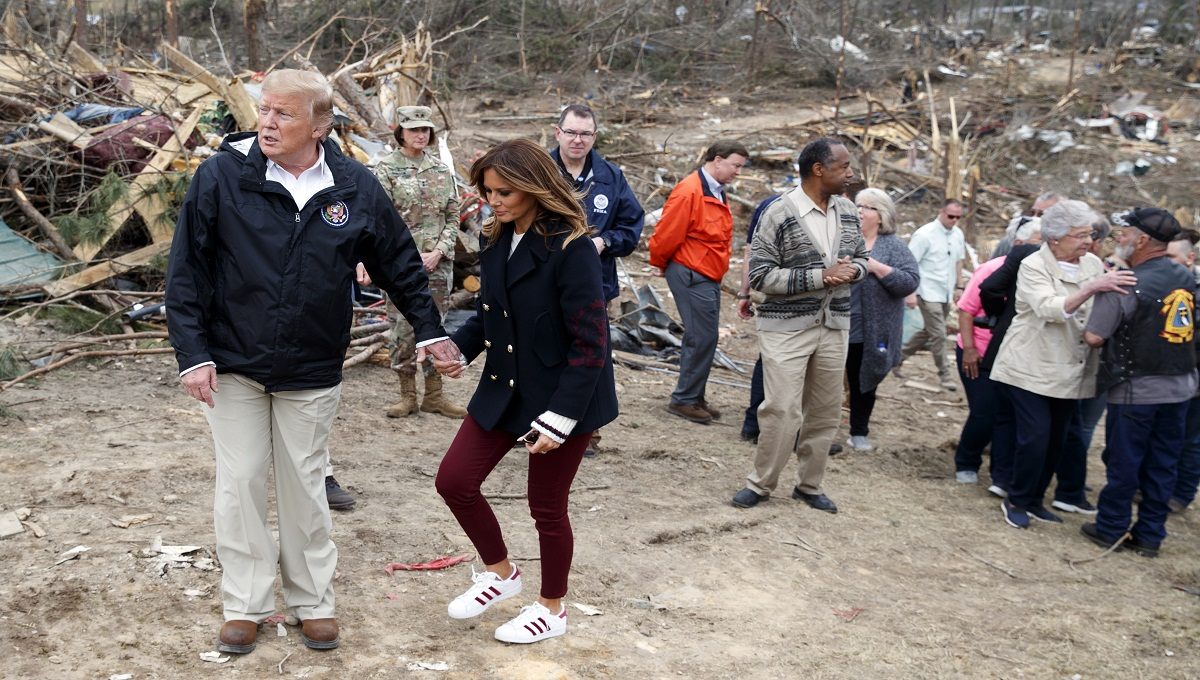Trump surveys devastation, pays respects to tornado victims