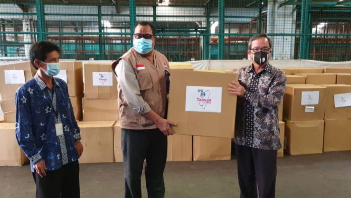 Taiwan donates 300 thousand medical masks for Indonesia