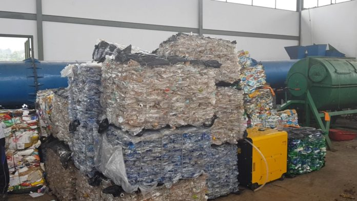 Sampah plastik meningkat selama PSBB