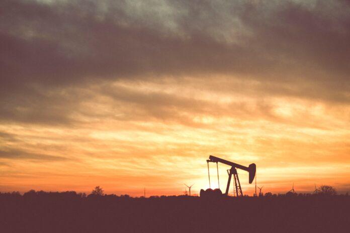 Kementerian-Medco uji coba penambangan minyak terbuka pertama di Indonesia