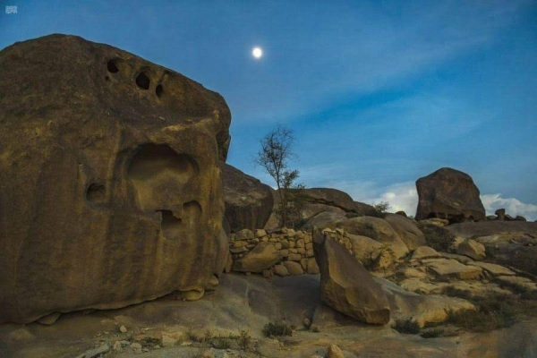 Saudi's Mount Shada has 3,000-years old caves