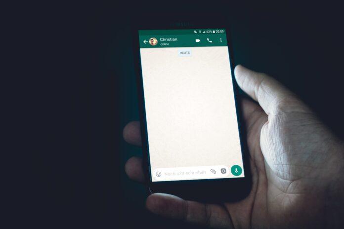 Warga Saudi gugat istri karena mengakses pesan WhatsApp