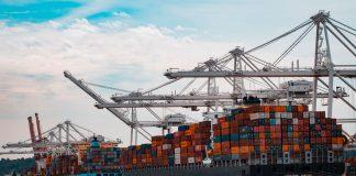 Indonesia's trade balance records 2.33 billion USD surplus in August
