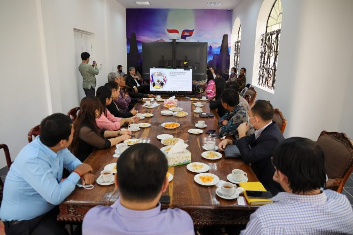 Indonesia promotes national products to Cambodians via INDOPROCAM