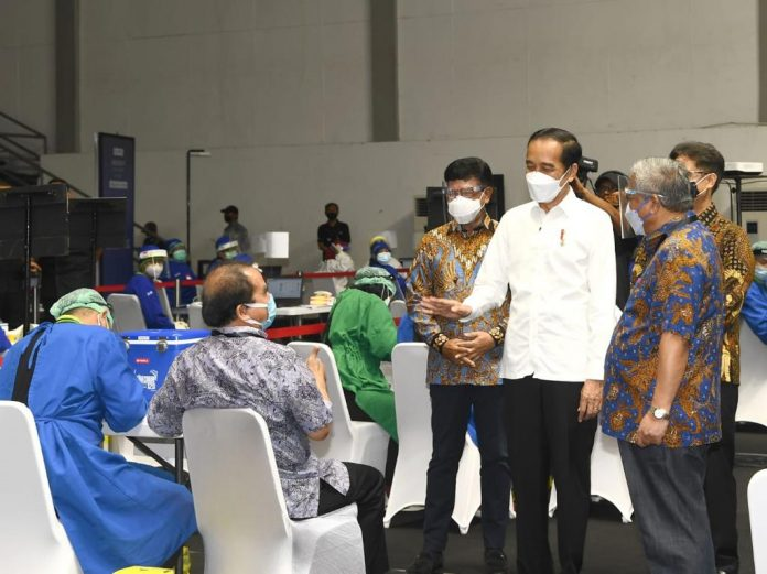 COVID-19 – Indonesia kicks off mass vaccination for reporters, targeting 5,512 persons