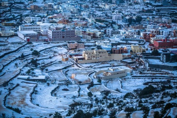 Snows cover Saudi's Tabuk