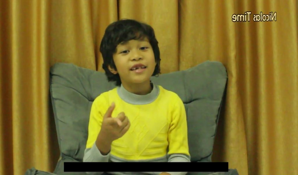 Indonesian 9-year-old boy fluently speaks English from early age autodidactically
