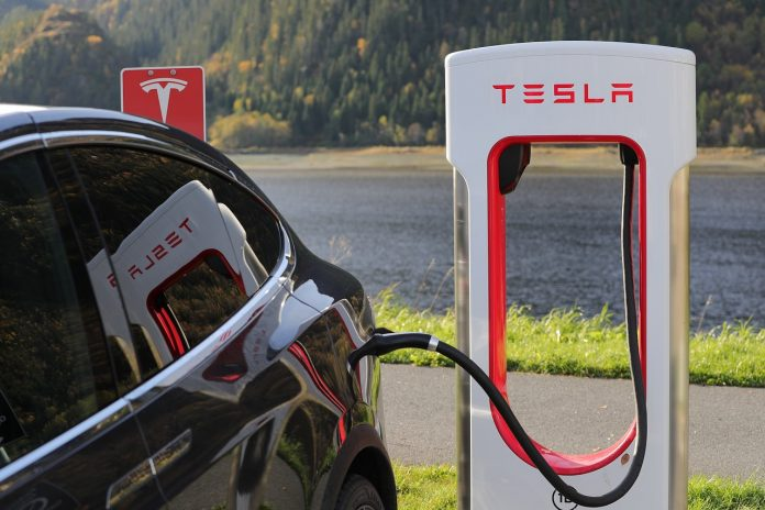 75 persen pemasok suku cadang mobil listrik Tesla berasal dari Taiwan