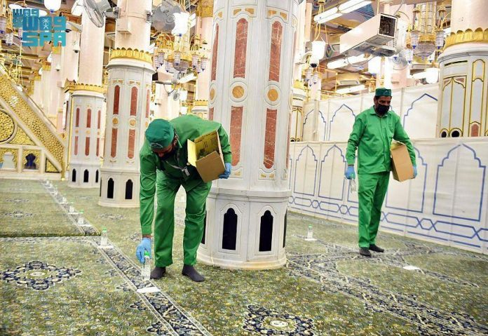 7 million of Zamzam water bottles distributed at Prophet's Mosque during pandemic