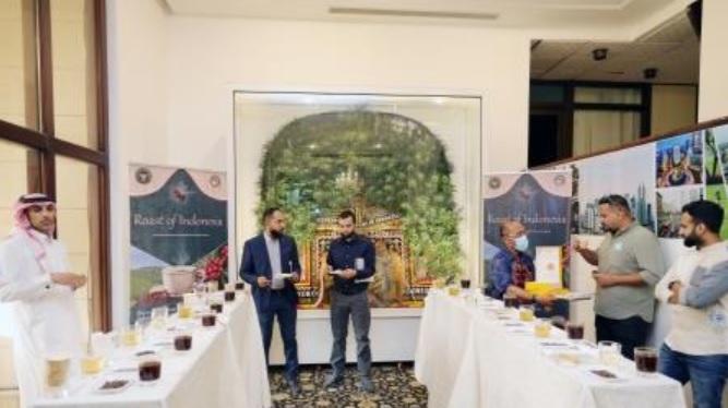 Saudi entrepreneurs admire Indonesian coffee tastes