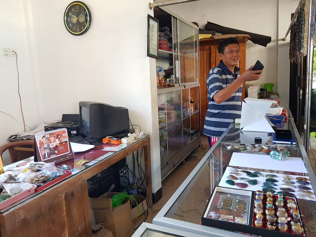 Indonesia's precious stones from Pacitan exported to Europe