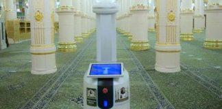 10 robot sterilkan Masjidil Haram
