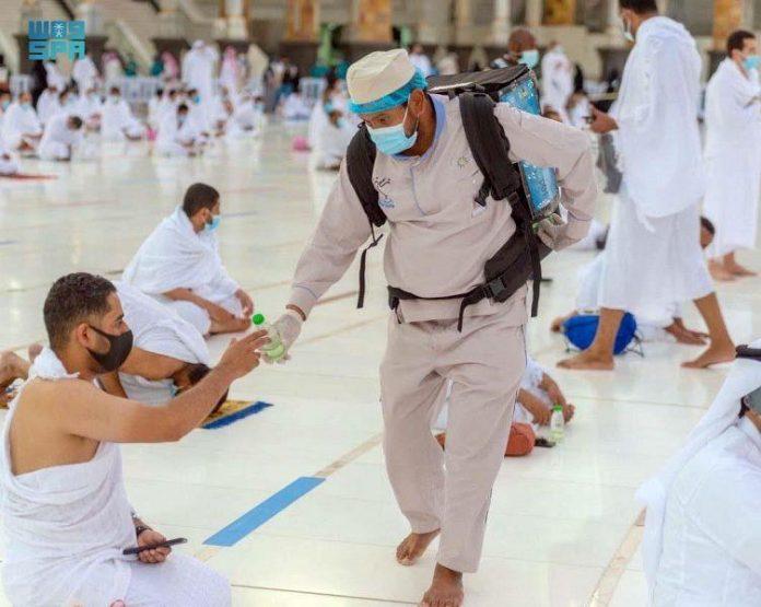 Lebih dari 15 juta botol air Zamzam didistribusikan di Masjidil Haram