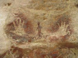 Peneliti temukan gambar cap tangan purba tanpa jari telunjuk di Maluku