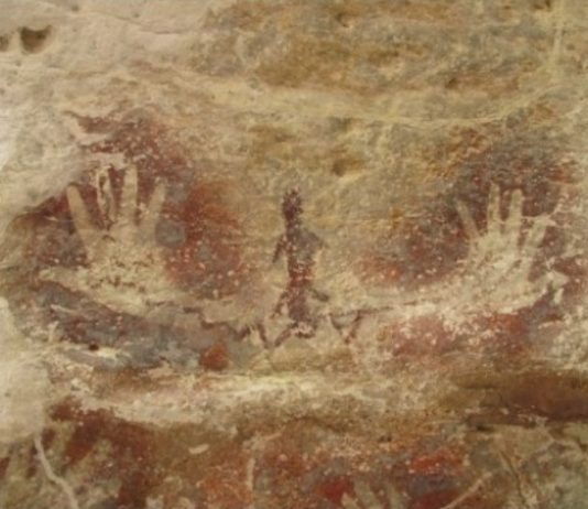 Ancient handprint without index finger found in Indonesia's Maluku province